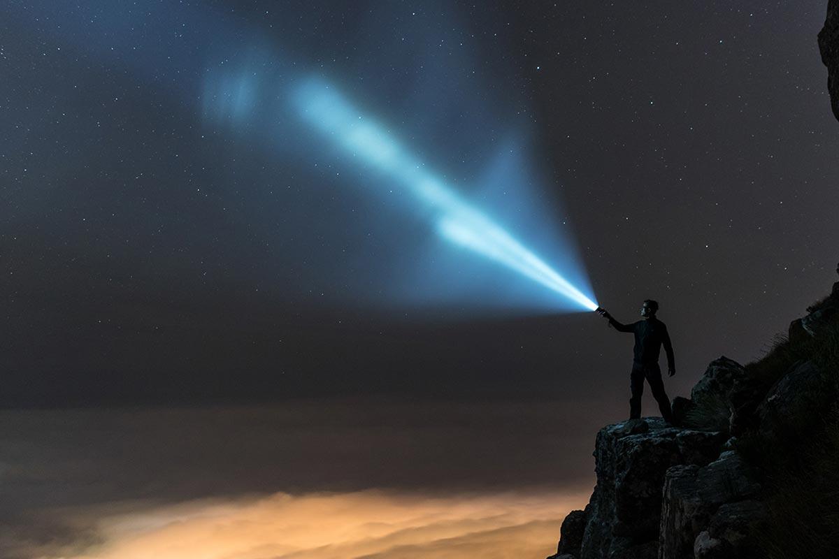 TK35UE-2018-flashlight-beam
